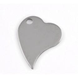 Graviruojama plieno širdelė ant kaklo