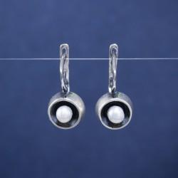 Sidabriniai auskarai inkrustuoti perlais