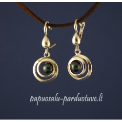 Sidabriniai auskarai su dažytais perlais