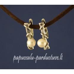Mieli sidabriniai auskariuka isu perlais