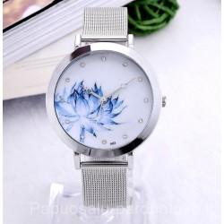 Gėlėtas laikrodis metaline apyranke